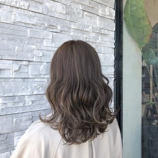 ハイライト ナチュラル セミロング 透明感カラー ヘアスタイルや髪型の写真・画像