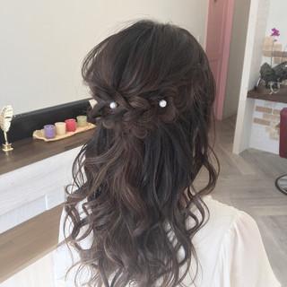 ミディアム フェミニン ハーフアップ ゆるふわ ヘアスタイルや髪型の写真・画像 ヘアスタイルや髪型の写真・画像