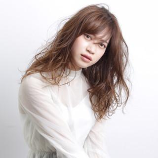 斜め前髪 色気 パーマ 大人女子 ヘアスタイルや髪型の写真・画像