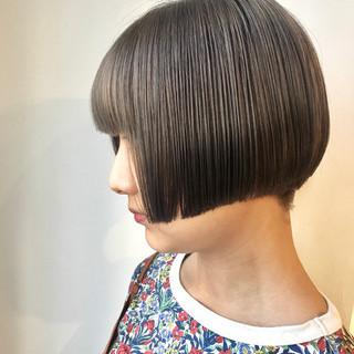 ハイトーン ボブ ヌーディベージュ モード ヘアスタイルや髪型の写真・画像