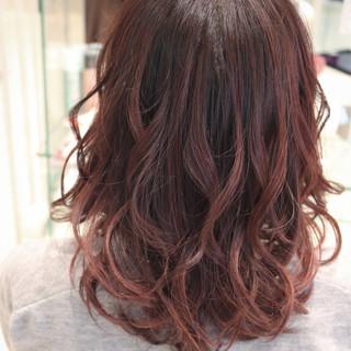 ストリート ベリーピンク 秋 外国人風 ヘアスタイルや髪型の写真・画像