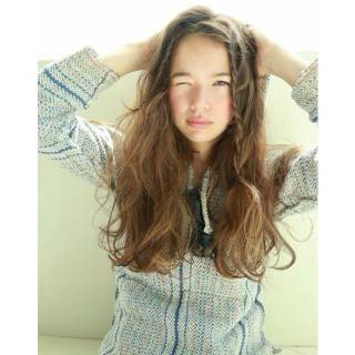 外国人風 ロング 春 ストリート ヘアスタイルや髪型の写真・画像