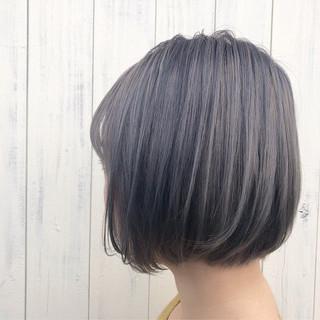 ミニボブ グレージュ ボブ ショートボブ ヘアスタイルや髪型の写真・画像