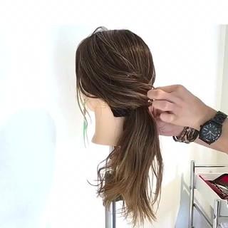 アウトドア ポニーテール リラックス ヘアアレンジ ヘアスタイルや髪型の写真・画像