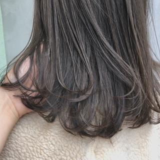 ガーリー アンニュイほつれヘア ゆるふわ オフィス ヘアスタイルや髪型の写真・画像