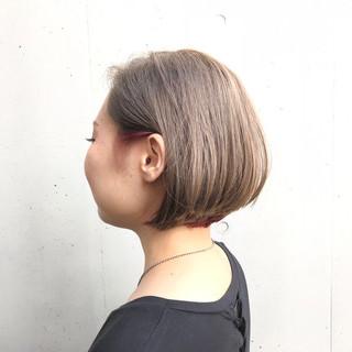 インナーカラー グレージュ ボブ モード ヘアスタイルや髪型の写真・画像