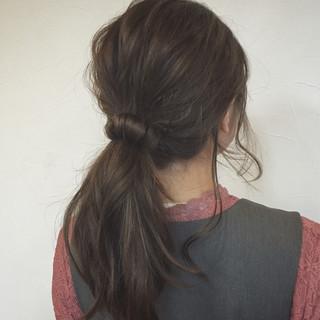 ブルージュ ガーリー ローポニーテール ヘアアレンジ ヘアスタイルや髪型の写真・画像