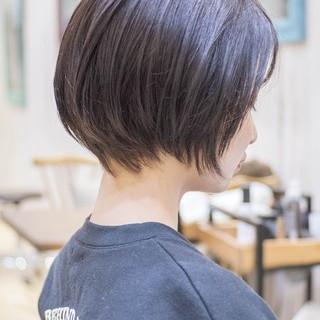 ミニボブ フェミニン 前下がり ショートヘア ヘアスタイルや髪型の写真・画像