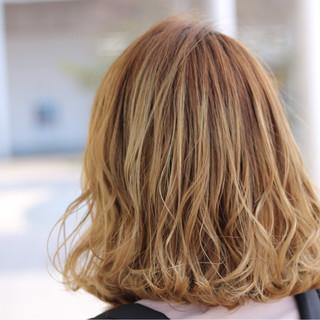 外ハネ ロブ ゆるふわ ナチュラル ヘアスタイルや髪型の写真・画像 ヘアスタイルや髪型の写真・画像