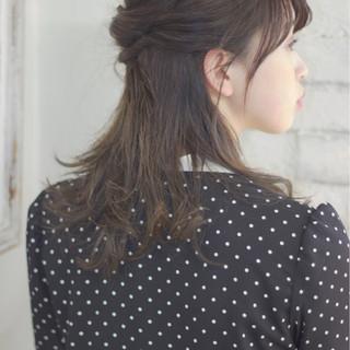 ウェットヘア 抜け感 ナチュラル ヘアアレンジ ヘアスタイルや髪型の写真・画像 ヘアスタイルや髪型の写真・画像