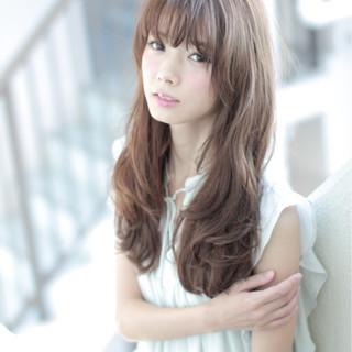 アッシュ ロング 外国人風 かわいい ヘアスタイルや髪型の写真・画像