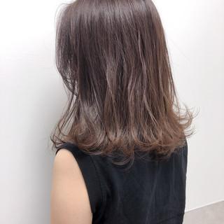 レイヤーカット ベージュ シアーベージュ ヌーディベージュ ヘアスタイルや髪型の写真・画像