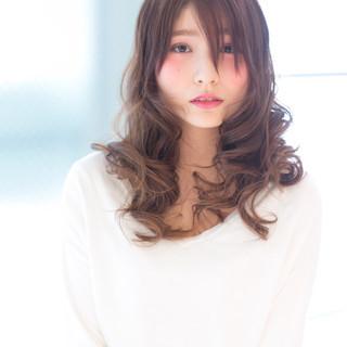 大人かわいい セミロング ガーリー 外国人風 ヘアスタイルや髪型の写真・画像