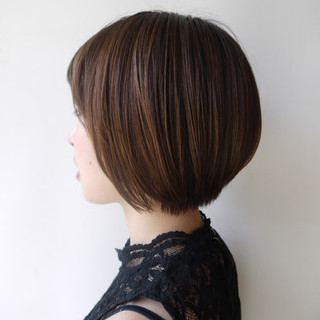 ショート 小顔 コンサバ ショートボブ ヘアスタイルや髪型の写真・画像 ヘアスタイルや髪型の写真・画像