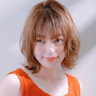 ミディアム アンニュイほつれヘア ナチュラル 愛され ヘアスタイルや髪型の写真・画像