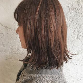 オレンジベージュ ラフ オレンジ ロブ ヘアスタイルや髪型の写真・画像