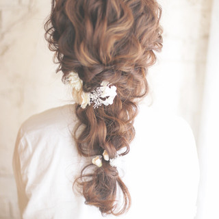 お花を使ったヘアアレンジ♡特別な日やデートにぴったりの華やかヘア