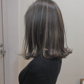 ショートボブ ミディアム 大人ハイライト バレイヤージュ ヘアスタイルや髪型の写真・画像