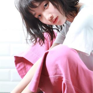ミディアム 無造作 外ハネ 束感 ヘアスタイルや髪型の写真・画像