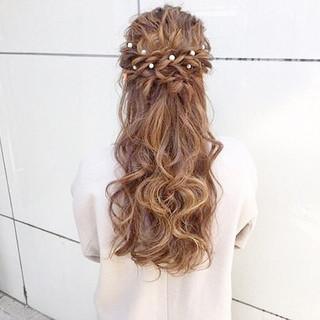 ヘアアレンジ ナチュラル アンニュイほつれヘア デート ヘアスタイルや髪型の写真・画像 ヘアスタイルや髪型の写真・画像