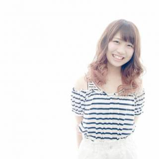 ピンク ゆるふわ 丸顔 グラデーションカラー ヘアスタイルや髪型の写真・画像