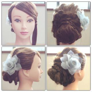 ねじり パーティ 波ウェーブ 三つ編み ヘアスタイルや髪型の写真・画像