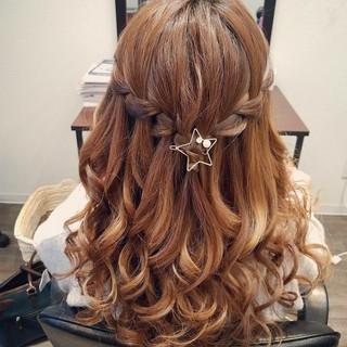フェミニン ハーフアップ ヘアアレンジ ウォーターフォール ヘアスタイルや髪型の写真・画像