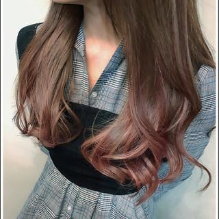 ピンク ロング インナーカラー ナチュラル ヘアスタイルや髪型の写真・画像
