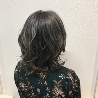 透明感 イルミナカラー グレージュ ミディアム ヘアスタイルや髪型の写真・画像