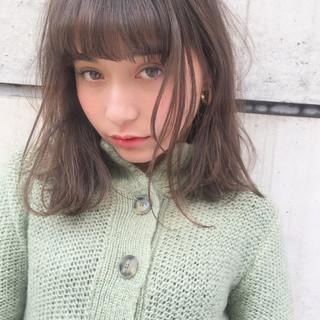 前髪あり ガーリー ミディアム 外国人風 ヘアスタイルや髪型の写真・画像 ヘアスタイルや髪型の写真・画像