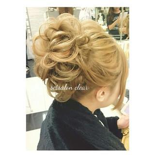シニヨン 大人かわいい ロング フェミニン ヘアスタイルや髪型の写真・画像 ヘアスタイルや髪型の写真・画像