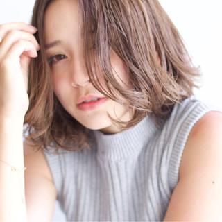 色気 ストリート 外国人風 アッシュ ヘアスタイルや髪型の写真・画像