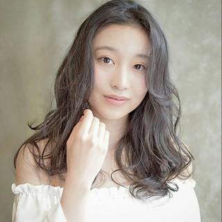 ロング 大人かわいい 外国人風 フェミニン ヘアスタイルや髪型の写真・画像