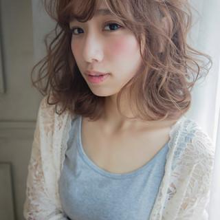 アッシュ 外国人風 ストリート フェミニン ヘアスタイルや髪型の写真・画像