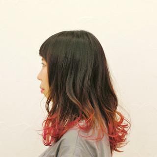 ストリート 波ウェーブ セミロング グラデーションカラー ヘアスタイルや髪型の写真・画像