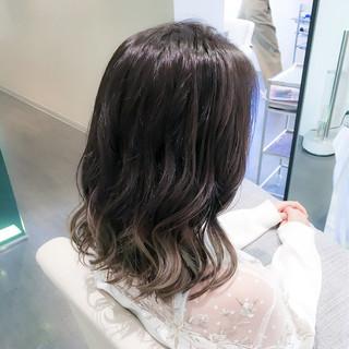 イルミナカラー 謝恩会 外国人風 フェミニン ヘアスタイルや髪型の写真・画像