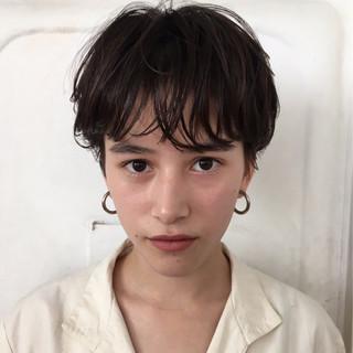 アンニュイ 束感 パーマ ナチュラル ヘアスタイルや髪型の写真・画像