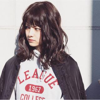 小顔 パーマ ストリート 色気 ヘアスタイルや髪型の写真・画像