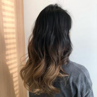 ロング ブリーチ ミルクティーベージュ モード ヘアスタイルや髪型の写真・画像