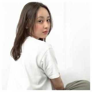 透明感 セミロング 前髪あり リラックス ヘアスタイルや髪型の写真・画像