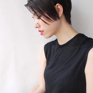 ボブ ナチュラル センターパート 黒髪 ヘアスタイルや髪型の写真・画像 ヘアスタイルや髪型の写真・画像
