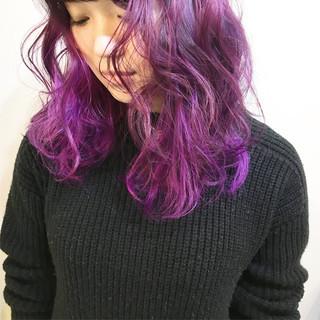 ミディアム グラデーションカラー 冬 切りっぱなし ヘアスタイルや髪型の写真・画像