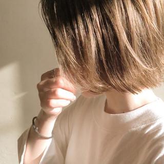ショートヘア ブリーチオンカラー ブリーチ必須 ボブ ヘアスタイルや髪型の写真・画像