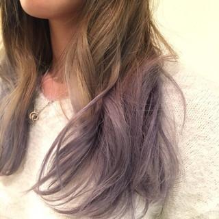 パープル グラデーションカラー ハイトーン ブリーチ ヘアスタイルや髪型の写真・画像