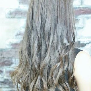 ロング 外国人風 アッシュ グラデーションカラー ヘアスタイルや髪型の写真・画像 ヘアスタイルや髪型の写真・画像