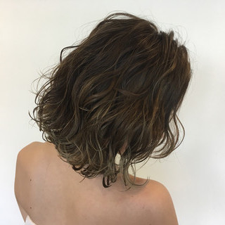 巻き髪 グラデーションカラー ローライト ボブ ヘアスタイルや髪型の写真・画像