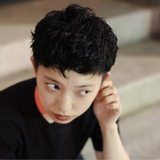 ショート グレー 暗髪 黒髪 ヘアスタイルや髪型の写真・画像 ヘアスタイルや髪型の写真・画像