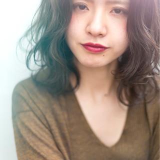 アンニュイ 透明感 外ハネ 前髪あり ヘアスタイルや髪型の写真・画像 ヘアスタイルや髪型の写真・画像