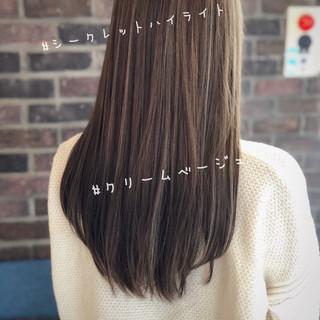 極細ハイライト ヌーディーベージュ ミルクティーベージュ ストレート ヘアスタイルや髪型の写真・画像