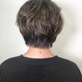 フェミニン ショート イルミナカラー ショートヘア ヘアスタイルや髪型の写真・画像